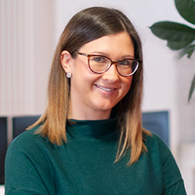Portrait von Hanna Haberer, Unit Lead Leuchtfeuer, Content Marketing & Social Marketing